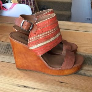 Lucky Brand wood platform wedge heels 8.5